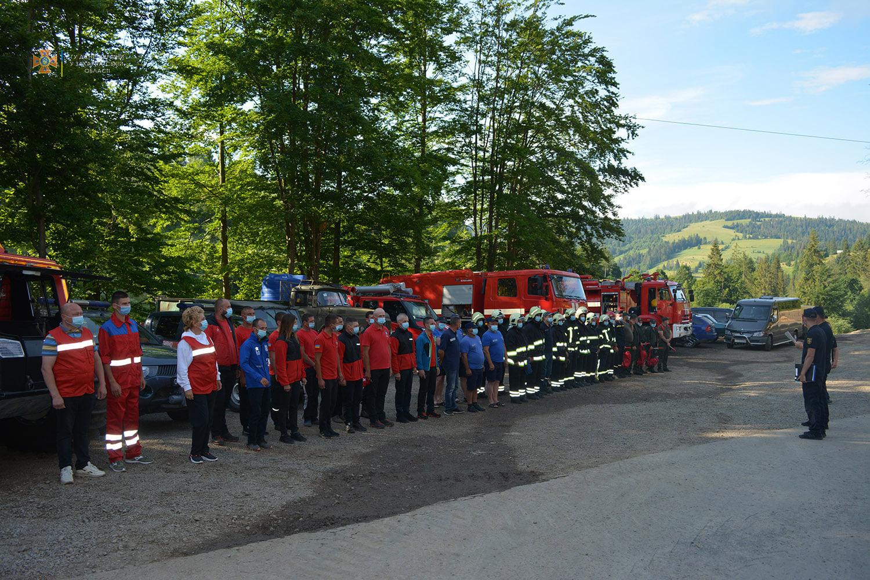 Навчання рятувальників в Карпатах