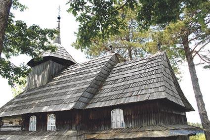 Сталкери зі жменями суниць. Прогулянка мертвим гірським селом Кужбеї,  з якого людей вигнав не мирний атом, а двадцяте століття